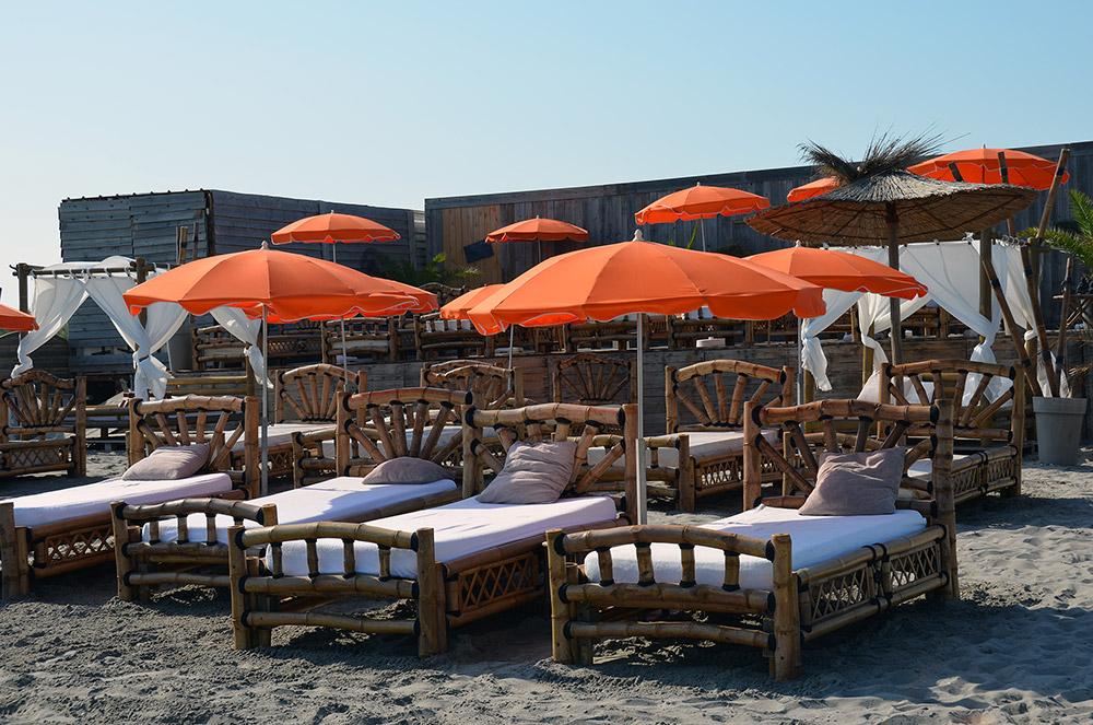 bambou palm beach plage priv e saintes maries de la mer. Black Bedroom Furniture Sets. Home Design Ideas