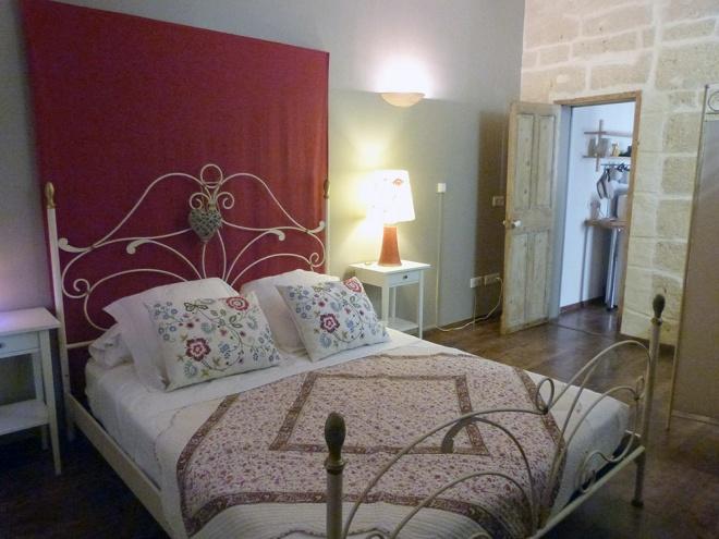 chambre d 39 h tes et appartement chez danielle en costi res camargue authentique d couverte. Black Bedroom Furniture Sets. Home Design Ideas