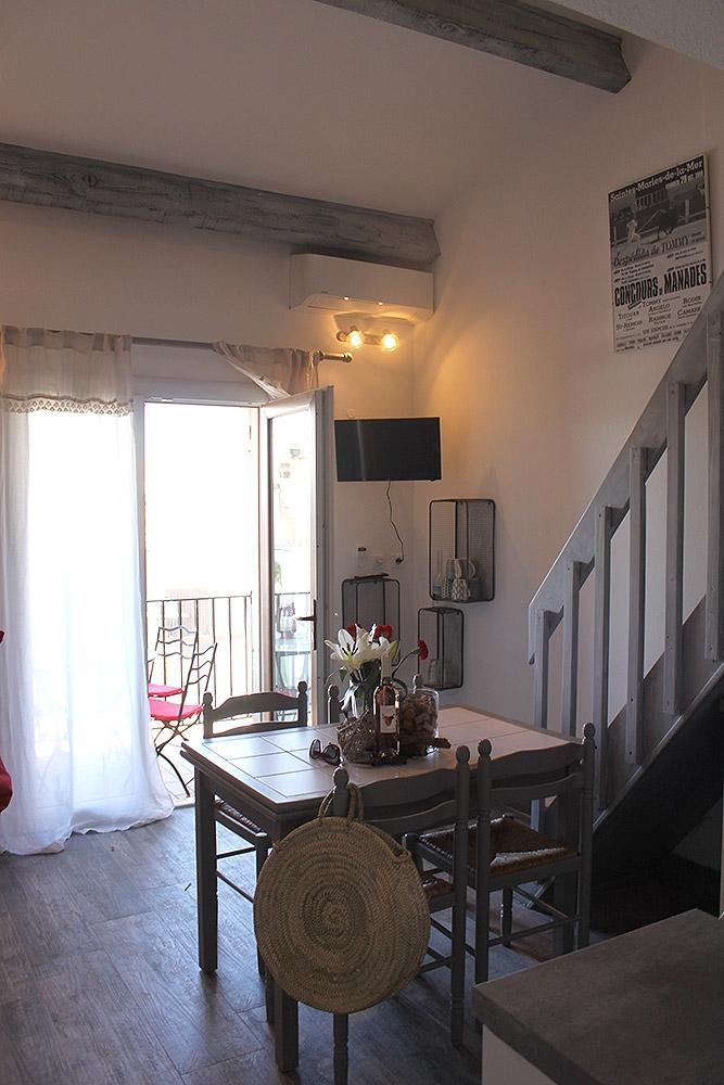 appartement saintes maries de la mer manade clauzel camargue levage salles pour r ceptions. Black Bedroom Furniture Sets. Home Design Ideas